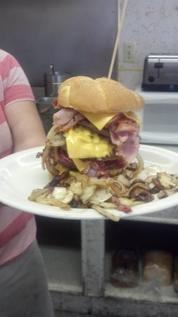 Chemult, : The Big Ugly burger....