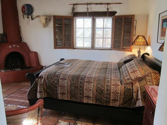 Hacienda del Sol: El Pueblo room