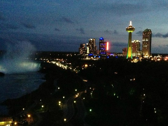 Sheraton on the Falls: canadian falls with skylon tower and casino