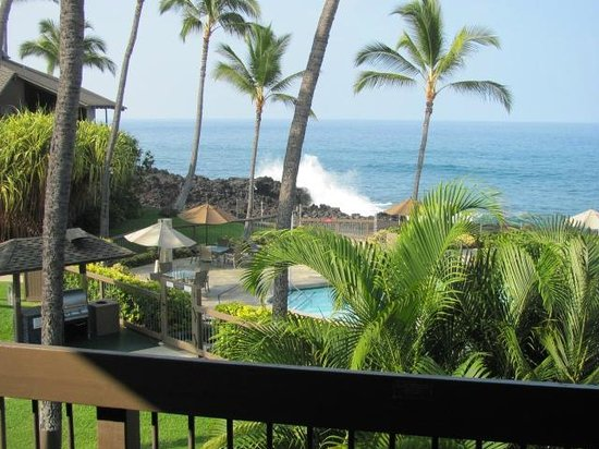 Outrigger Kanaloa at Kona: view of the ocean and pool