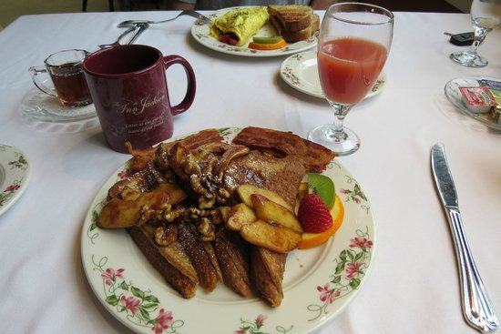 Inn at Jackson: French toast with apples and brown sugar! mmm