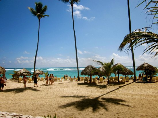 Majestic Elegance Punta Cana: View of the beach