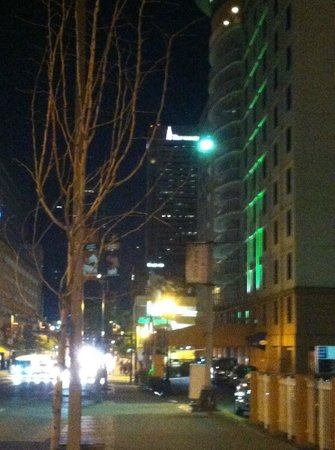 Holiday Inn Inner Harbor: night view