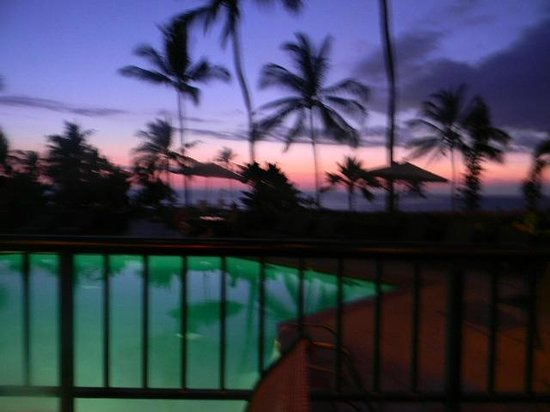 Kona Coast Resort: aloha friday sunset view