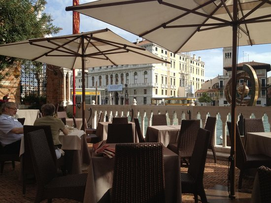 Hotel Palazzo Stern: Grand Canal terrace at the Palazzo Stern