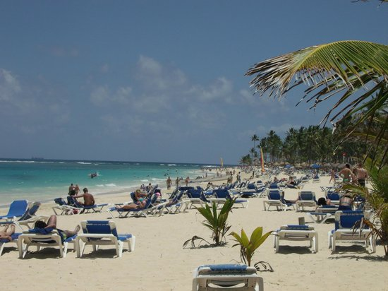Barcelo Punta Cana: You can walk forever down the beach.