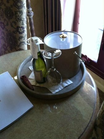 Vintners Inn: Welcome wine