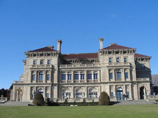Newport Marriott: Enjoying the mansions