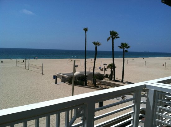Hermosa Beach, CA: Beach to the north