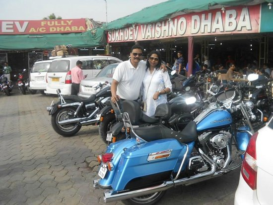 Sonipat, India: B fast at Murthal  with HDs