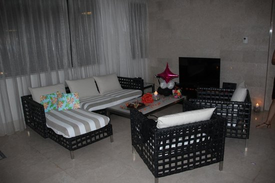 The St. Regis Doha: Casual seating inside the private cabana
