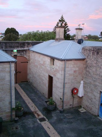 Mount Gambier, Australië: View towards front door of gaol
