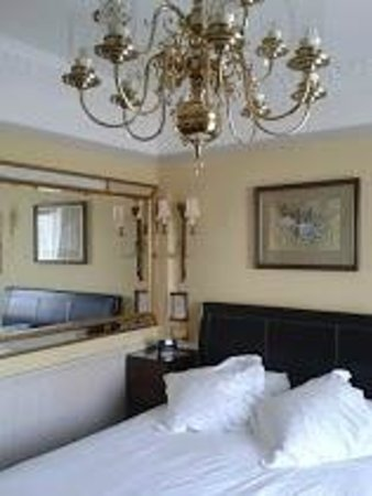 Empire Hotel Llandudno: Beautifully decorated room