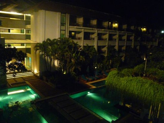 Banthai Beach Resort & Spa: piscine de l'hôtel