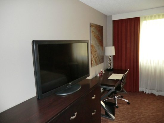 Crowne Plaza Miami Airport: Room