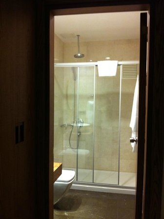 Triada Residence & Boutique Hotel: Bathroom