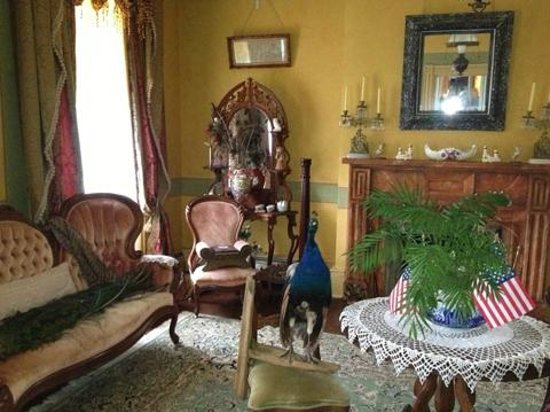 Hidden Valley Bed and Breakfast: time period antiques