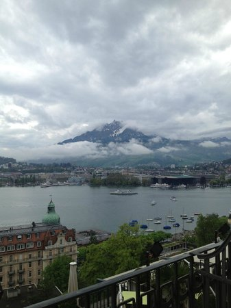 Art Deco Hotel Montana Luzern: View from Lake view balcony