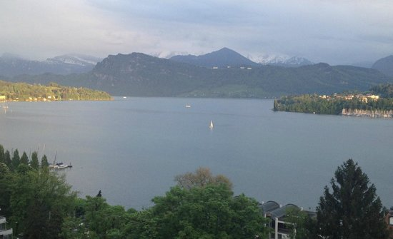 Art Deco Hotel Montana Luzern: View from Lakeview side
