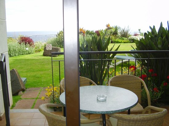 The Residence Porto Mare (Porto Bay): View from bedroom onto garden.