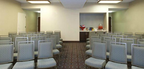 Lawrenceville, GA: Meeting Room