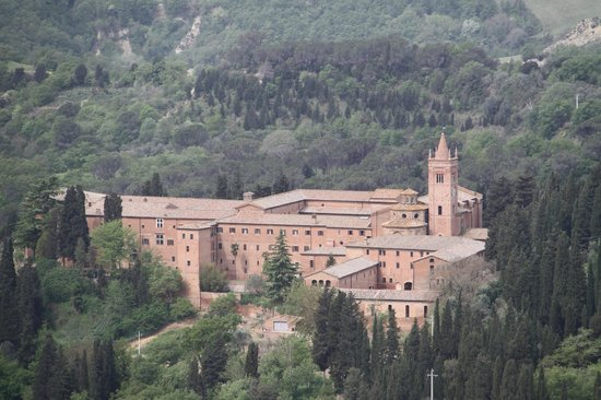 Tours Around Tuscany - Private Day Tours : Benedictine Abby