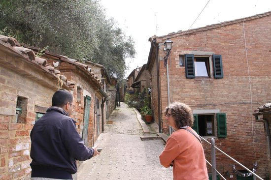Tours Around Tuscany - Private Day Tours : Tuscan village