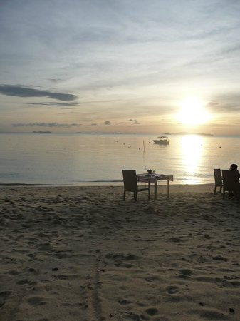 The Sunset Beach Resort & Spa, Taling Ngam: plage de l'hotel