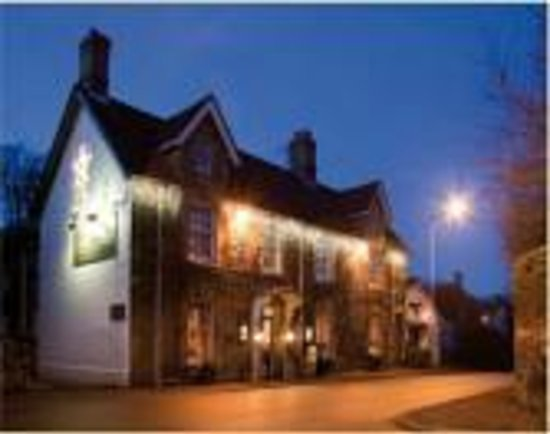 Shaftesbury, UK: Hotel at night at La Fleur de lys