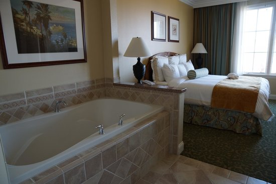 Marriott's Newport Coast Villas: Master room