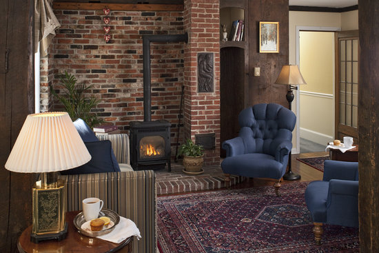 Kennebunkport, ME: Enjoy a cup of tea by the fire in our newly redecorated sitting room.