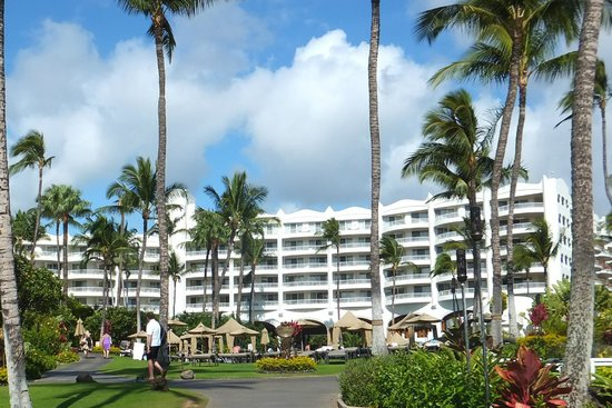 Fairmont Kea Lani Maui: Hotel from Beach
