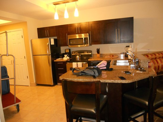 Marriott&#39;s Harbour Lake: kitchen area