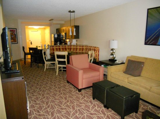 Marriott&#39;s Harbour Lake: living room