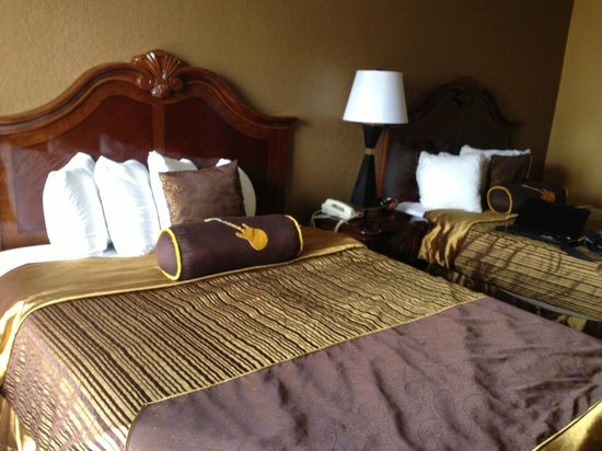 BEST WESTERN PLUS Music Row: double queen room