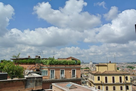 InterContinental de la Ville: View from our balcony included St Peter's Basilica! Room 637