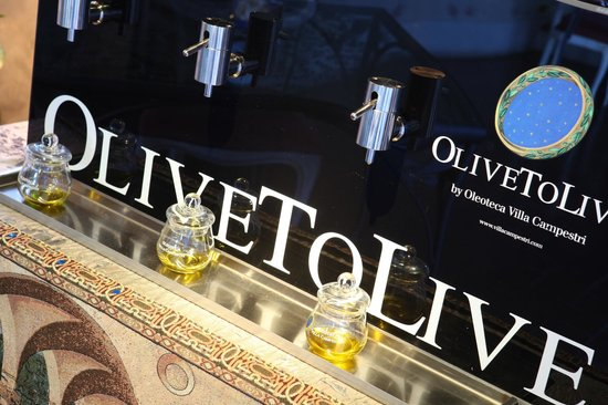 Vicchio, Italy: OliveToLive, an award-winner for Olive Oil distribution under perfect conditions