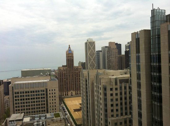 Crowne Plaza Chicago Magnificent Mile: room with a view