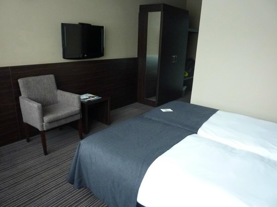 BEST WESTERN Hotel Docklands: a decent size & good television