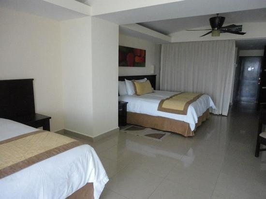 Dreams Villamagna Nuevo Vallarta: Spacious rooms!