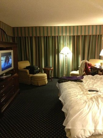 Marriott St. Louis Airport: Corner room