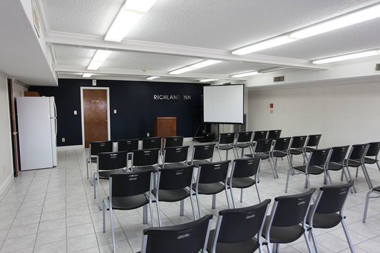 Columbia, TN: Conference Room