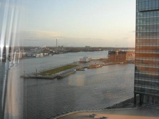 Mövenpick Hotel Amsterdam City Center: Room view