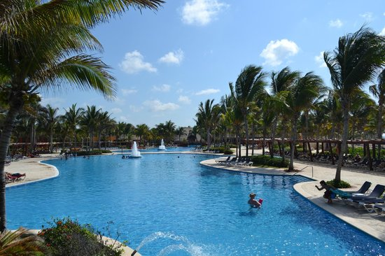 Barcelo Maya Beach: Piscine