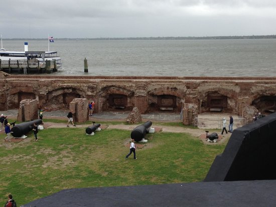 Sullivan's Island, SC: Fort Sumter Gum Rooms