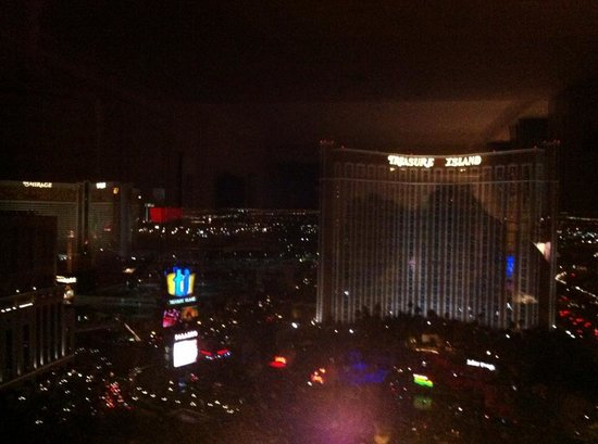 The Palazzo Resort Hotel Casino : View from room at night 