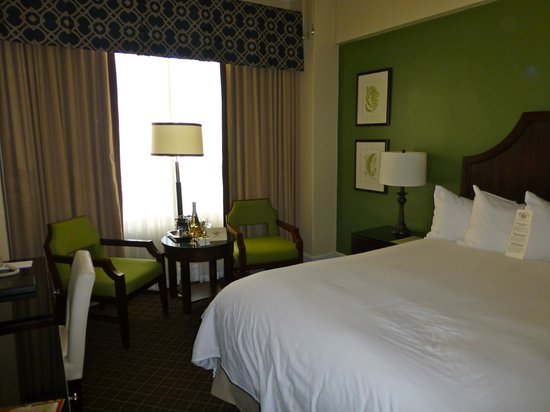Chancellor Hotel on Union Square: Our standard double with queen size bed