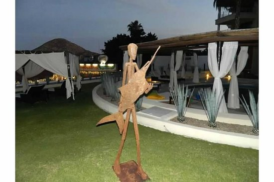 Casa Dorada Los Cabos: Art work on the grounds
