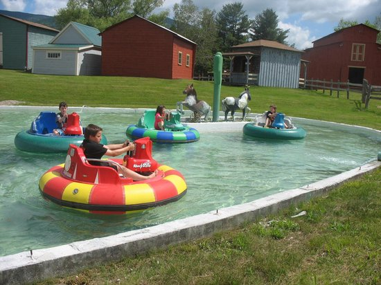 Jefferson, NH: bumper boats