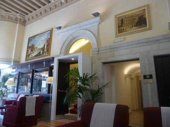 Ruzzini Palace Hotel : Hotel Entrance hall 